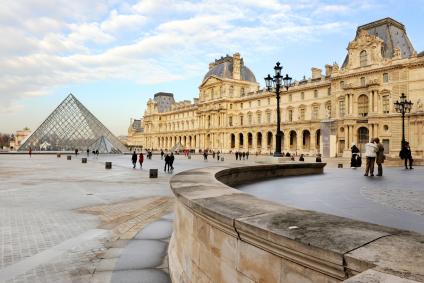 Louvre_Paris_France_iStock_000015695470XSmall.jpg
