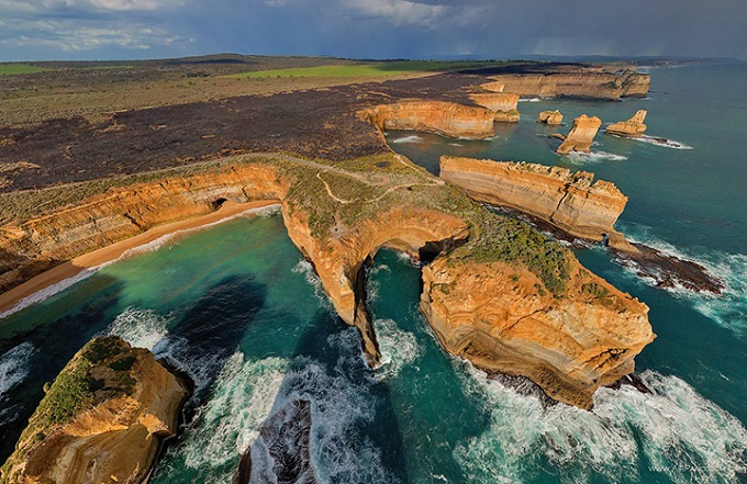 Coastline, cliifs, the Twelve Apostles, Victoria, Australia