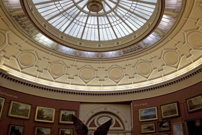 Birmingham Museum and Art Gallery © Tony Hisgett/Flickr