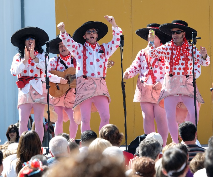 Chirigota carnival cadiz © Algefoto / Shutterstock.com