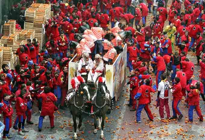 Ivrea carnival italy © Pecold / Shutterstock.com
