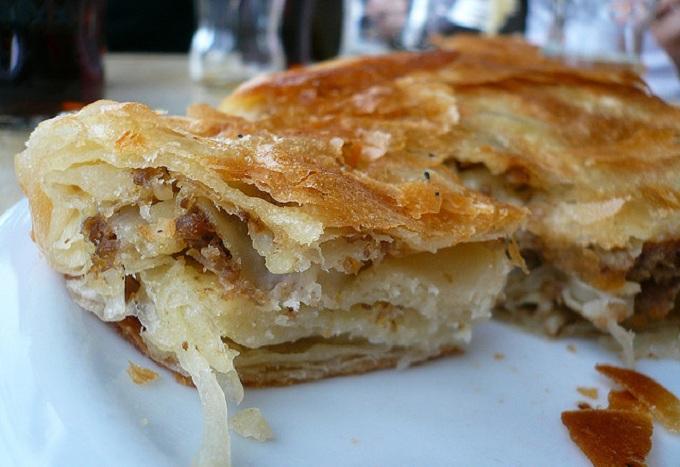 Burek meat pastry in Croatia ©Cocoinzenl / Flickr