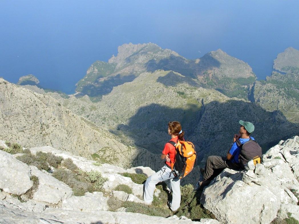 Mallorca's best hikijng trails wind through the Serra de Tramuntana mountains