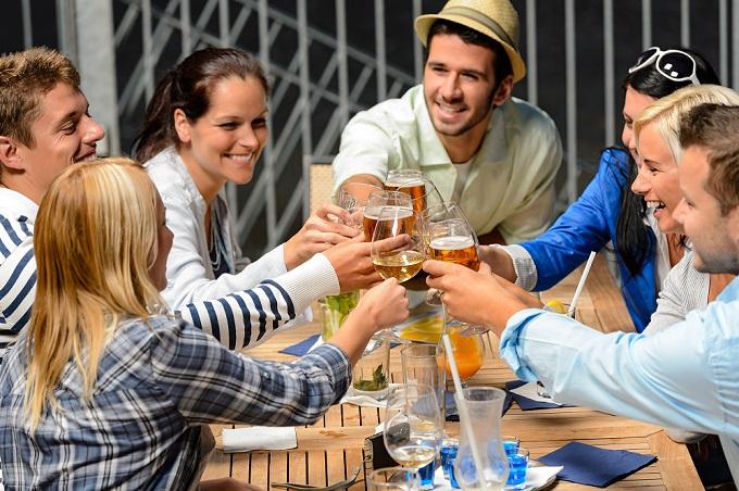 friends cheersing