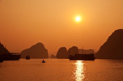 halong-vietnam.jpg