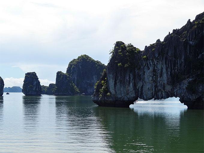 Halong Bay, Vietnam © Catherine McGloin