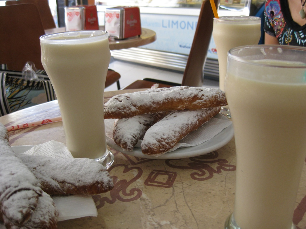 Horchata and fartons, Valencia