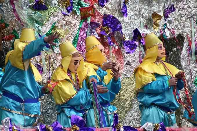 new orleans mardi gras carnival © gary yim  / Shutterstock.com