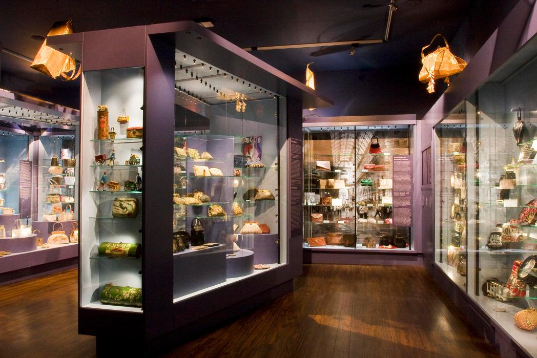 Display case at the Museum of bags and purses, Amsterdam