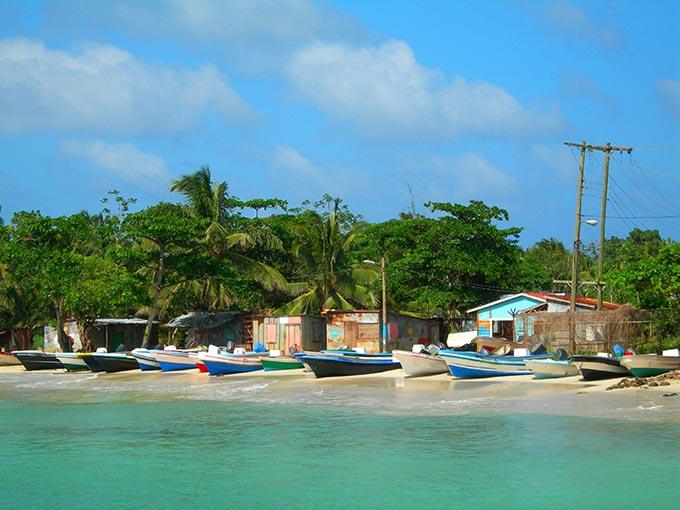 Pick up a panga and sail off to Little Corn Island.