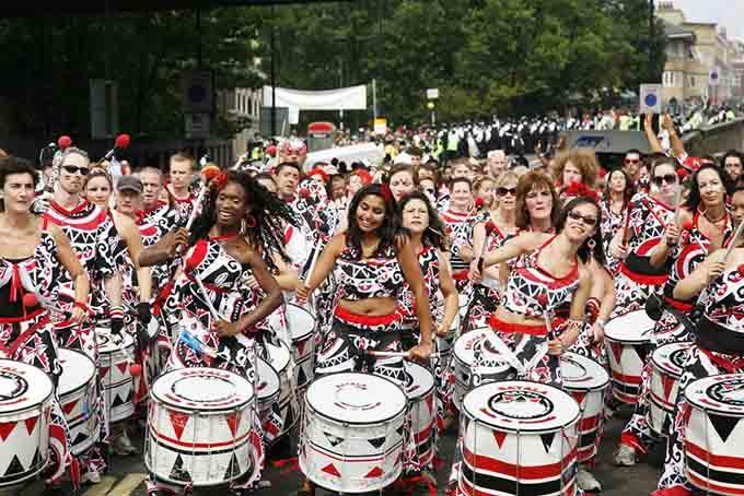 Notting Hill carnival london © Bikeworldtravel / Shutterstock.com