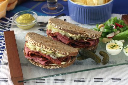pastrami.sandwich.jpg