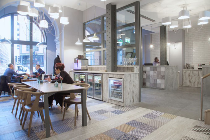 Z Hotel Shoreditch London, cafe ©VisitBritain
